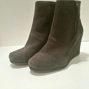 Toms Gray Suede Leather Wedge Ankle Booties Sz 9